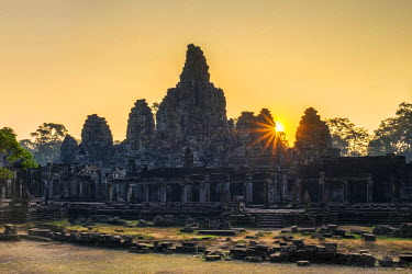CMB1464AW Prasat Bayon temple ruins at sunrise, Angkor Thom, UNESCO World Heritage Site, Siem Reap Province, Cambodia