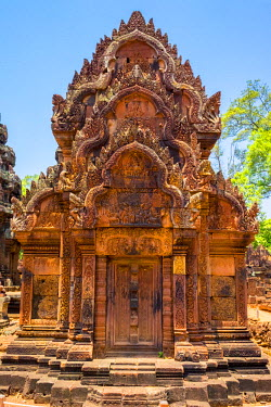 CMB1501AWRF Prasat Banteay Srei temple ruins, UNESCO World Heritage Site, Siem Reap Province, Cambodia