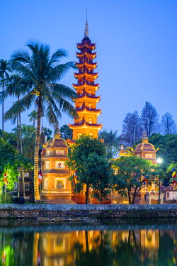 VIT1068AW Tran Quoc Pagoda (Chua Tran Quoc) at night, Tay Ho District, Hanoi, Vietnam