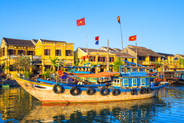 VIT1113AW Boats on the Thu Bon River in front of Hoi An Ancient Town, Hoi An, Quang Nam Province, Vietnam