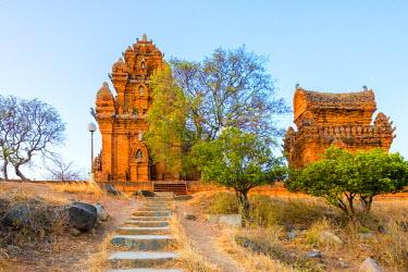 VIT1147AW Po Klong Garai temple, 13th century Cham towers, Phan Rang-Thap Cham, Ninh Thuan Province, Vietnam
