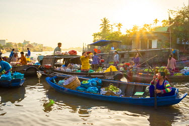 VIT1176AW Early morning at Phong Dien floating market, Phong Dien District, Can Tho, Mekong Delta, Vietnam