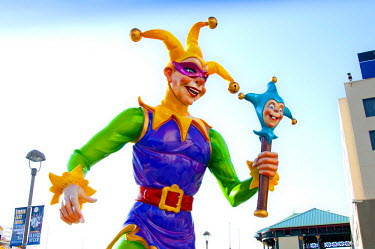 US37200 Louisiana, New Orleans, Mardi Gras Jester Statue, Riverwalk