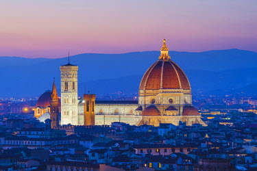 ITA5238AW Florence, Tuscany, Italy. Saint Mary of the Flower cathedral at dusk.