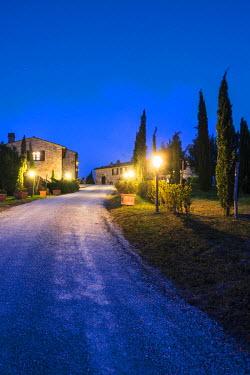 ITA5262AW Valdorcia, Siena, Tuscany, Italy. Typical tuscan farm at dusk.