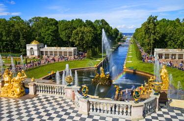 RUS1923AW The Grand Cascade of the Peterhof Palace, Petergof, Saint Petersburg, Russia