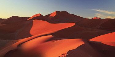 NB01115 Namibia, Namib Naukluft National Park, Sossussvlei Sand Dunes