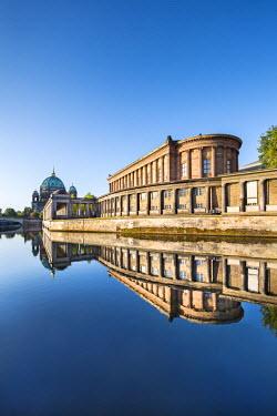 GER8999AW Berlin Dom, Alte Nationalgalerie and Spree River, Berlin, Germany
