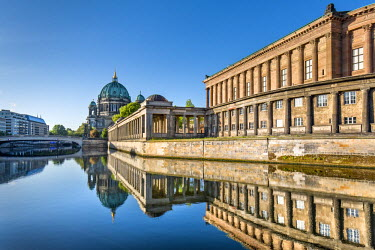 GER9002AW Berlin Dom, Alte Nationalgalerie and Spree River, Berlin, Germany