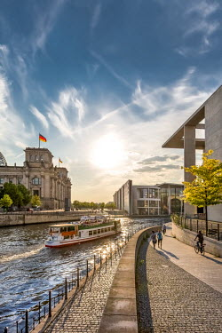 GER9099AW Sunset at Reichstag and River Spree, Berlin, Germany