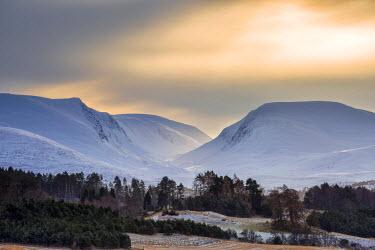 SCO33833AW Scotland, Aviemore. The Lairig Ghru mountain pass in winter.