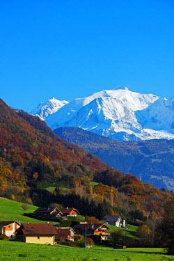 FRA9194 Europe, France, Haute Savoie, Rhone Alps, Sallanches, Chamonix valley and Mont Blanc (4810m)
