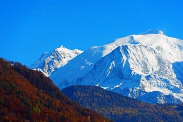FRA9195 Europe, France, Haute Savoie, Rhone Alps, Chamonix valley and Mont Blanc (4810m)