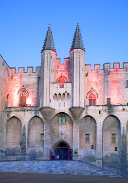 FRA9260 France, Provence, Avignon. The Palais des Papes.