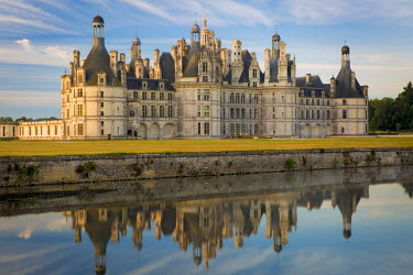 EU09BJN1778 Dawn over Chateau Chambord, Loire-et-Cher, Centre, France