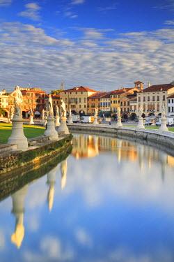ITA5506AW Italy, Italia. Veneto. Padova district. Padua, Padova. Prato della Valle