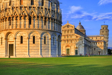 ITA5530AW Italy, Italia. Tuscany, Toscana. Pisa district. Pisa. Piazza dei Miracoli. Baptistery, Cathedral and Leaning Tower.
