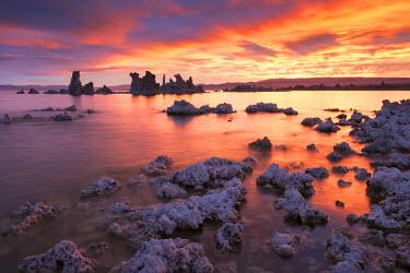 USA10967AW Colourful sunrise above Mono Lake, California, USA. Autumn (October) 2015.