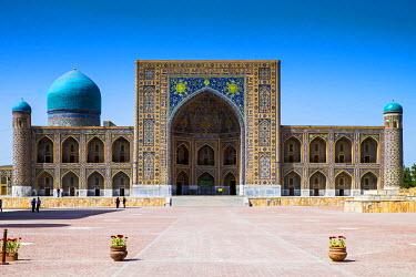 CLKSL22264 Registan Square, Samarkand, Uzbekistan, Central Asia. Tilla Kari madrasah.