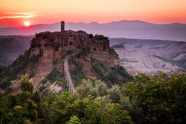CLKSL29243 Civita di Bagnoregio, Viterbo, Lazio, Central Italy, Europe. Warm sunrise.