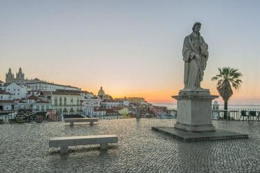 EU23RTI0014 Portugal, Lisbon, Alfama, Largo Portas do Sol at Dawn, Statue of St. Vincent the patron saint of Lisbon