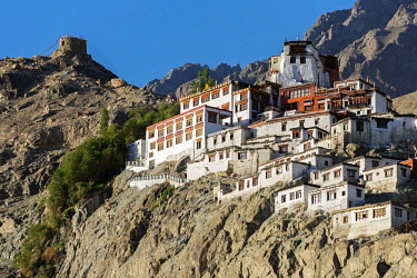 IND8042 Diskit Monastery, belongs to the Gelugpa (Yellow Hat) sect of Tibetan Buddhism, Nubra Valley, Ladakh