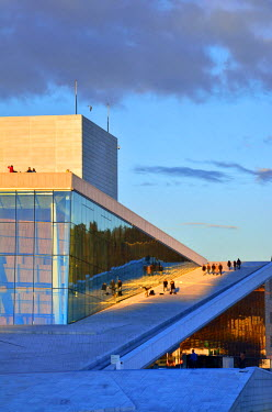 NOR0750AW The Opera House, Norwegian National Opera and Ballet, by Snohetta architects in Bjorvika district, in the evening. Oslo, Norway