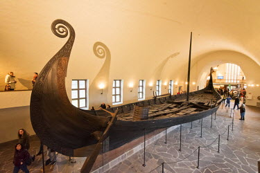 NOR0813AW The Oseberg ship, dating back to the 9th century, in display at the Viking Ship Museum at Bygdoy. Oslo, Norway