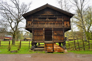 NOR0815AW Traditional storehouse at the Norwegian Museum of Cultural History (Norsk Folkemuseum) at Bygdoy. It's a large open-air museum with more than 150 buildings, relocated from towns and rural districts. O...