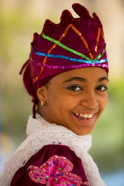 CA11JME0084 Cuba, Havana, girl in traditional costume before folkloric dance performance in park