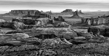 US03ACO0008 USA, Arizona, Monument Valley Navajo Tribal Park. Panoramic view from Hunt's Mesa at dawn