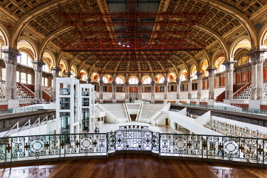 SPA7004 Architectural detail of the Oval Hall & Auditorium of the Museu Nacional d'Art de Catalunya, Sants Montjuic, Barcelona, Catalunya, Spain