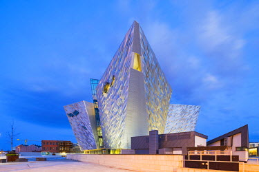 NIR8869AW United Kingdom, Northern Ireland, County Antrim, Belfast. Located on Queen's Island in the Titanic Quarter, Titanic Belfast stands on the site of the former Harland & Wolff shipyard where the RMS Tita...