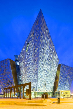NIR8878AW United Kingdom, Northern Ireland, County Antrim, Belfast. Located on Queen's Island in the Titanic Quarter, Titanic Belfast stands on the site of the former Harland & Wolff shipyard where the RMS Tita...