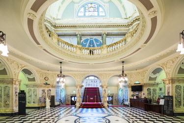 NIR8883AW United Kingdom, Northern Ireland, County Antrim, Belfast. The interior of City Hall.
