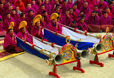 HMS0318258 China, Gansu Province, Xiahe, Labrang, Labrang Monastery of Gelug or Gelugpa ritual situated in the former Tibetan Province of Amdo celebrates each year Losar, the Tibetan new year, the big horns help...