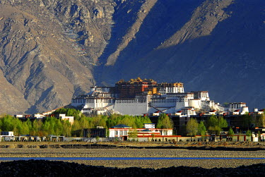 HMS0492014 China, Tibet Autonomous Region, Lhasa, Potala Palace listed as World Heritage by UNESCO