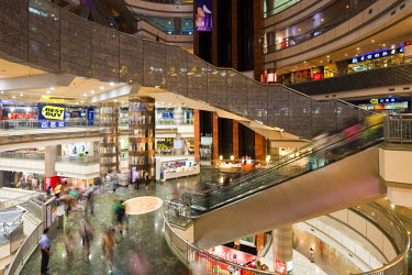HMS0492648 China, Shanghai, Pudong's Super Brand Mall shopping center
