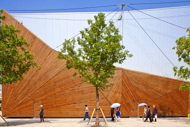 HMS0508324 China, Shanghai, Pudong, Expo 2010 Shanghai China park with 73 millions visitors, Canada pavilion
