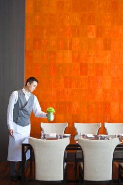HMS0508393 China, Shanghai, Pudong, Shanghai World Financial Center, Park Hyatt hotel, Pantry restaurant with shagreen wall