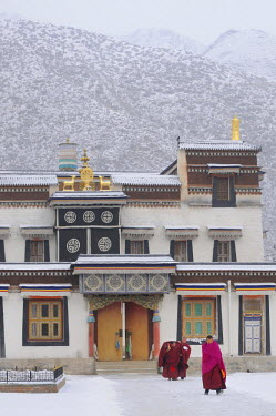 HMS0909699 China, Gansu Province, Amdo, Xiahe, Monastery of Labrang (Labuleng Si) under the snow