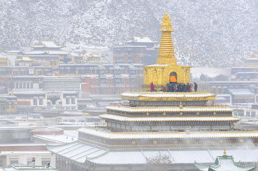 China, Gansu Province, Amdo, Xiahe, Monastery of Labrang (Labuleng Si), Gongtang chorten under the snow