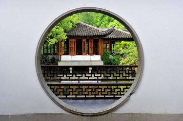 HMS1713466 China, Zhejiang province, Hangzhou, listed as World Heritage by UNESCO, Guo Zhuang (Guo's Villa or Fenyang Villa)