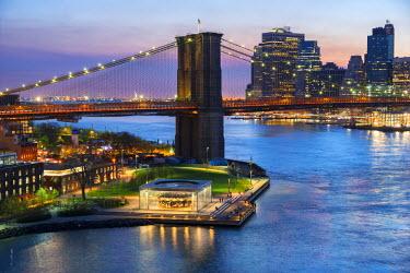 USA11005AW USA, New York, Manhattan, Lower Manhattan, Brooklyn Bridge & East River