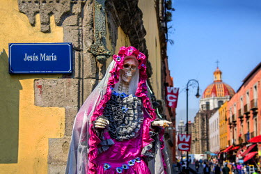 MX03515 Mexico, Mexico City, Santa Muerte, Saint of Death, Personification Of Death, Venerated Female Skeleton Figure, Day Of The Dead, Centro Historico