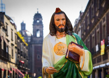 MX03518 Mexico, Mexico City, Emiliano Zapata Street, Pedestrian Way, Jesus Christ Statue, Centro Historico
