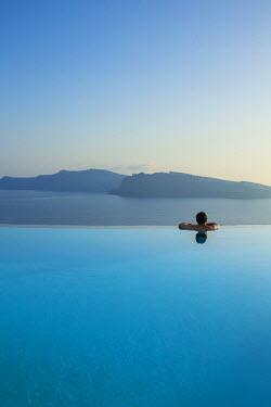 GR09180 The luxury 5 star Perivolas hotel, Oia, Santorini (Thira), Cyclades Islands, Greece