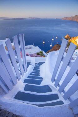 GR09184 Oia, Santorini (Thira), Cyclades Islands, Greece