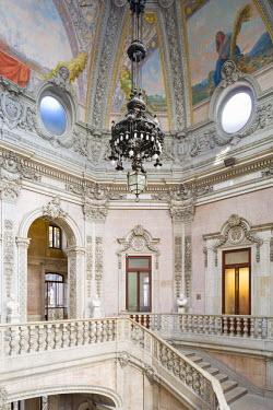 POR8852AW Portugal, Douro Litoral, Porto. The interior of the Palacio Da Bolsa, Porto's former stock exchange.