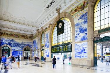 POR8945AW Portugal, Douro Litoral, Porto. The entrance of historic Sao Bento train station boasts a fantastic display of Azulejos.